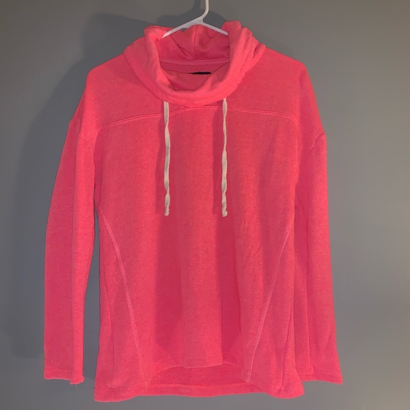 American Eagle Outfitters Tops - Pullover